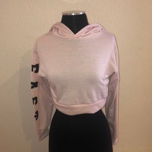 Sweaters - Light pink cropped hoodie